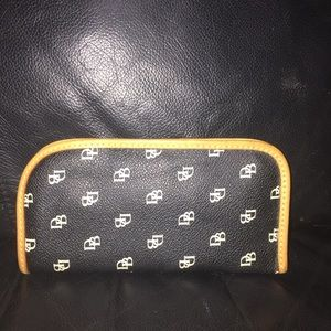 Leather Dooney & Bourke sunglasses case